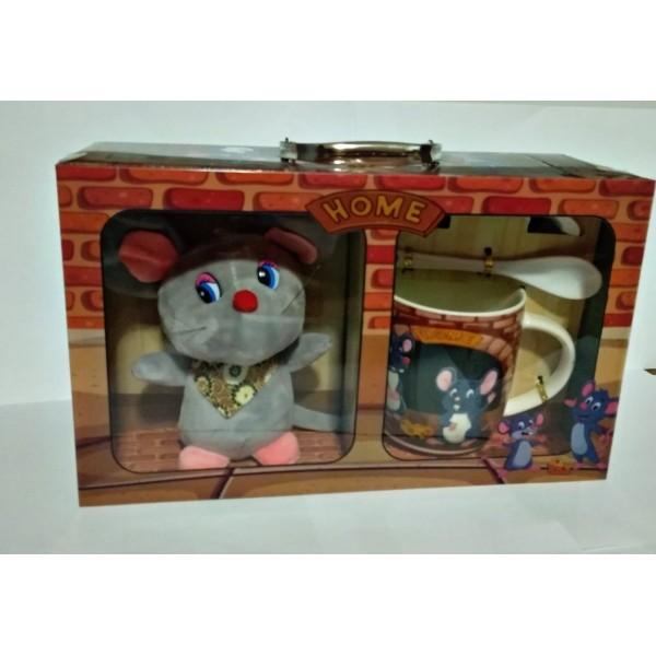 Подарочный набор чашка, ложка, блюдце и игрушка мышка